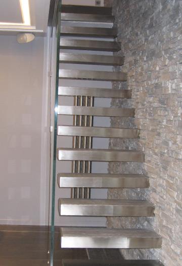 Corrimano a muro per scale interne simple corrimano a for Corrimano per scale leroy merlin